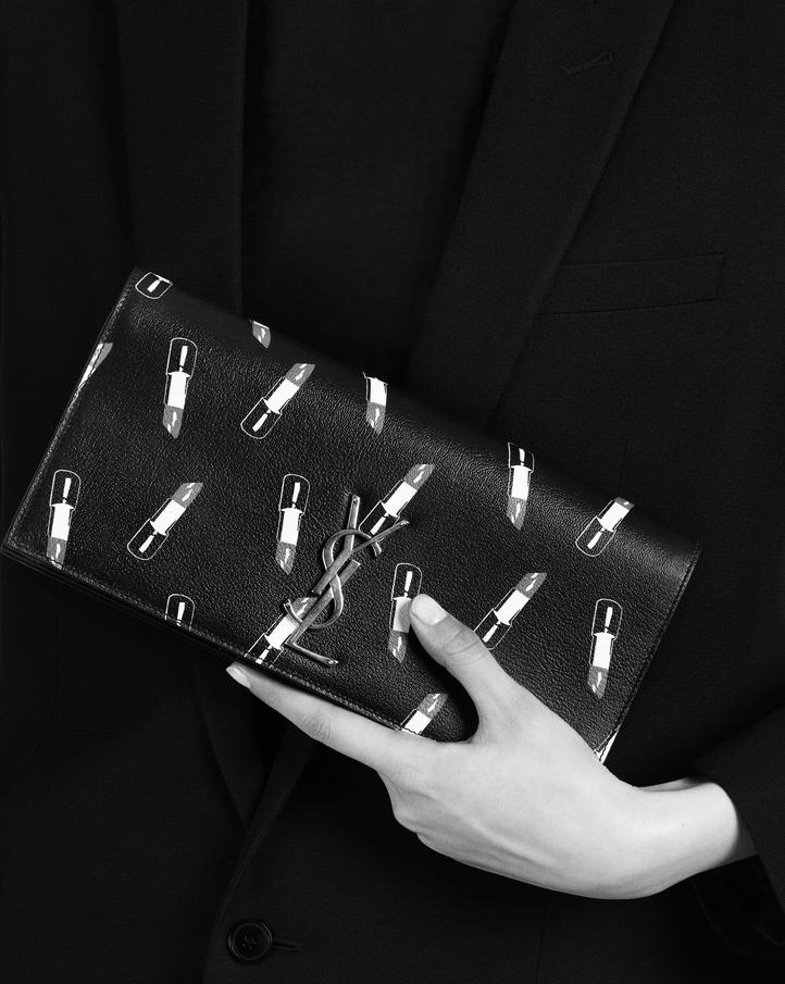 YSL kopertówka z wzorem pomadki trendy jesień 2015