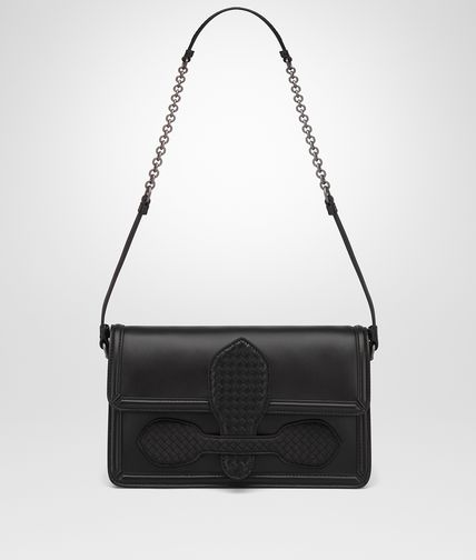 SHOULDER BAG IN NERO NAPPA, MICROINTRECCIATO DETAILS