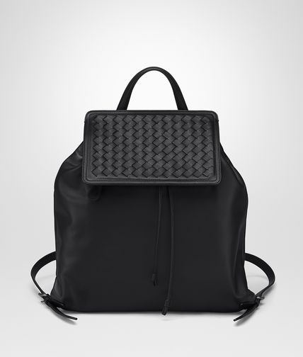 BACKPACK IN NERO NAPPA, INTRECCIATO DETAIL