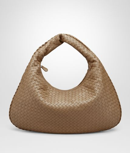 LARGE VENETA BAG IN CAMEL INTRECCIATO NAPPA