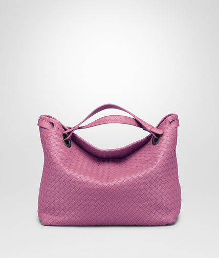 MEDIUM SHOULDER BAG IN PEONY INTRECCIATO NAPPA