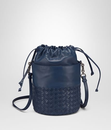 BUCKET BAG IN PACIFIC INTRECCIATO CALF AND NAPPA