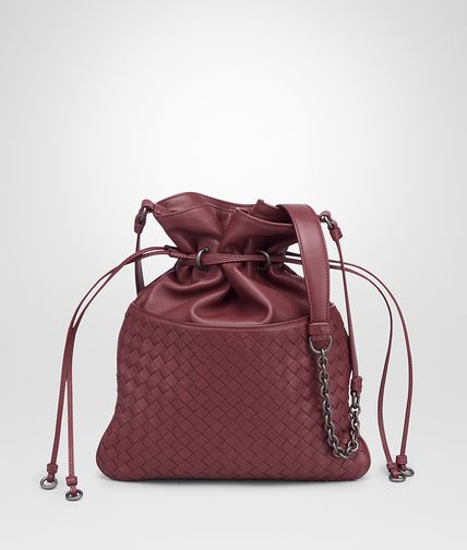BUCKET BAG AUS INTRECCIATO NAPPA IN BAROLO