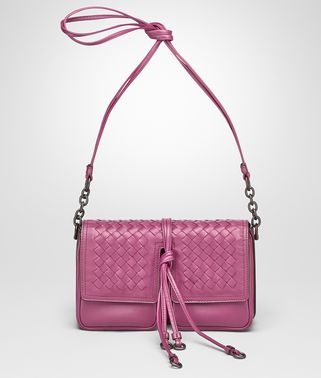SHOULDER BAG IN PEONY NAPPA LEATHER, INTRECCIATO DETAILS