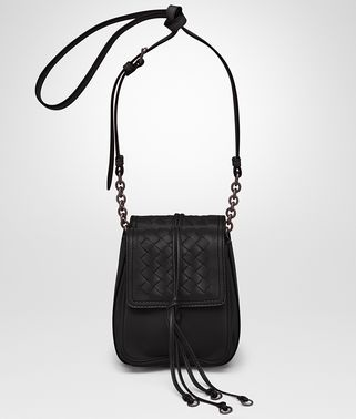 SHOULDER BAG IN NERO NAPPA LEATHER, INTRECCIATO DETAILS