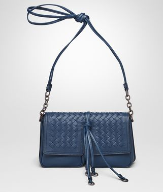 SHOULDER BAG IN PACIFIC NAPPA LEATHER, INTRECCIATO DETAILS