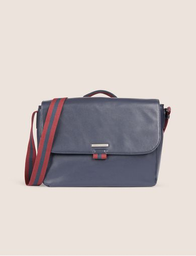 아르마니 익스체인지 Armani Exchange CLEAN FRONT LOGO PLATE MESSENGER BAG,Navy Blue