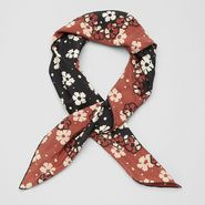 Silk Marguerite Print Foulard - Scarf - BOTTEGA VENETA - PE13 - 265
