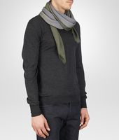 SCHAL AUS WOLLE IN FLANNEL DARK GREEN