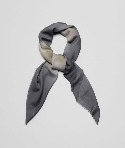 SCARF IN SAND BLACK WOOL