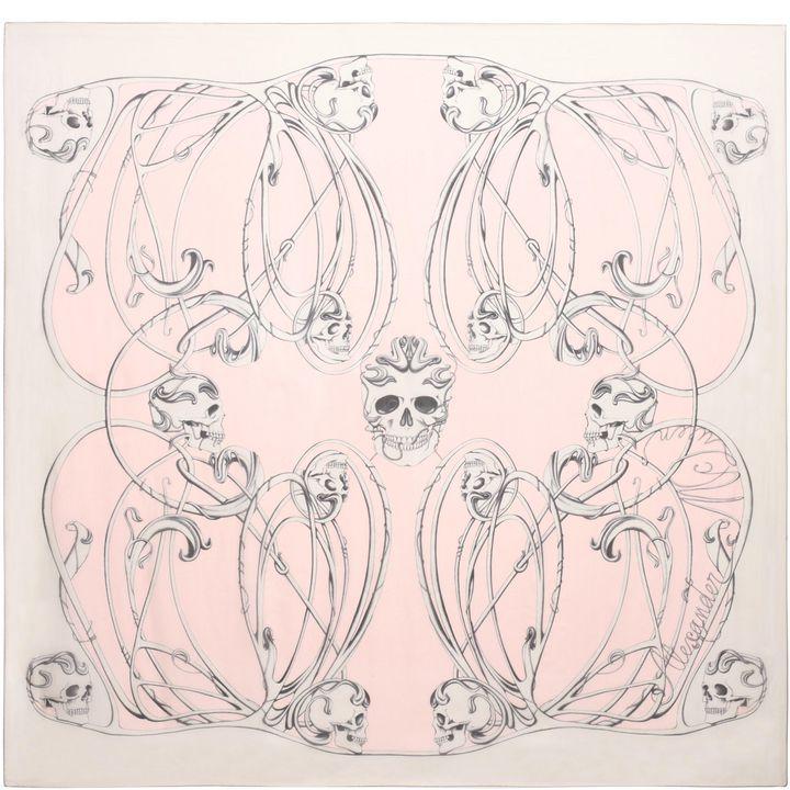 Alexander McQueen, Foulard en soie Skulls «art nouveau»
