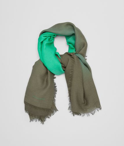 SCARF IN GRASS GREEN WOOL