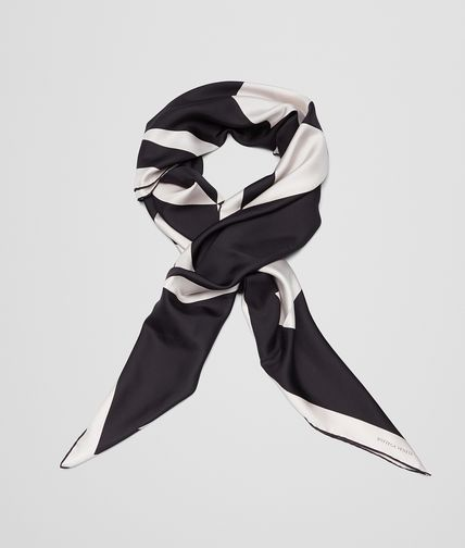 FOULARD IN IVORY BLACK SILK