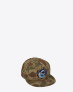 "Cappello ""SPACE IS MY HOME"" color kaki in cotone a stampa camouflage"