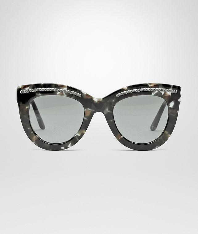 SUNGLASSES IN WHITE HAVANA ACETATE WITH GREY LENS