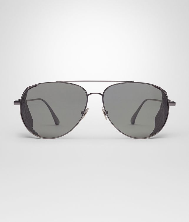 SUNGLASSES IN BURNISHED TITANIUM WITH GREY POLAR LENS