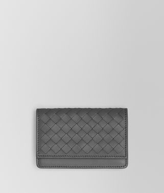 浅灰色编织小羊皮卡片包