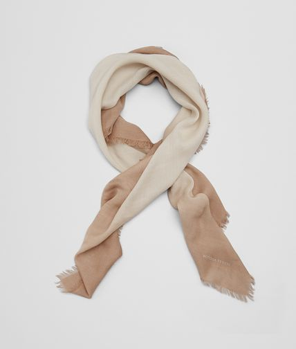 SCARF IN BEIGE WOOL