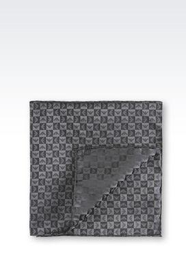 Armani Cravatte Uomo pochette in seta fantasia logo