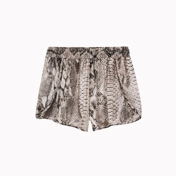 Stella McCartney, Jodie Rocking Shorts