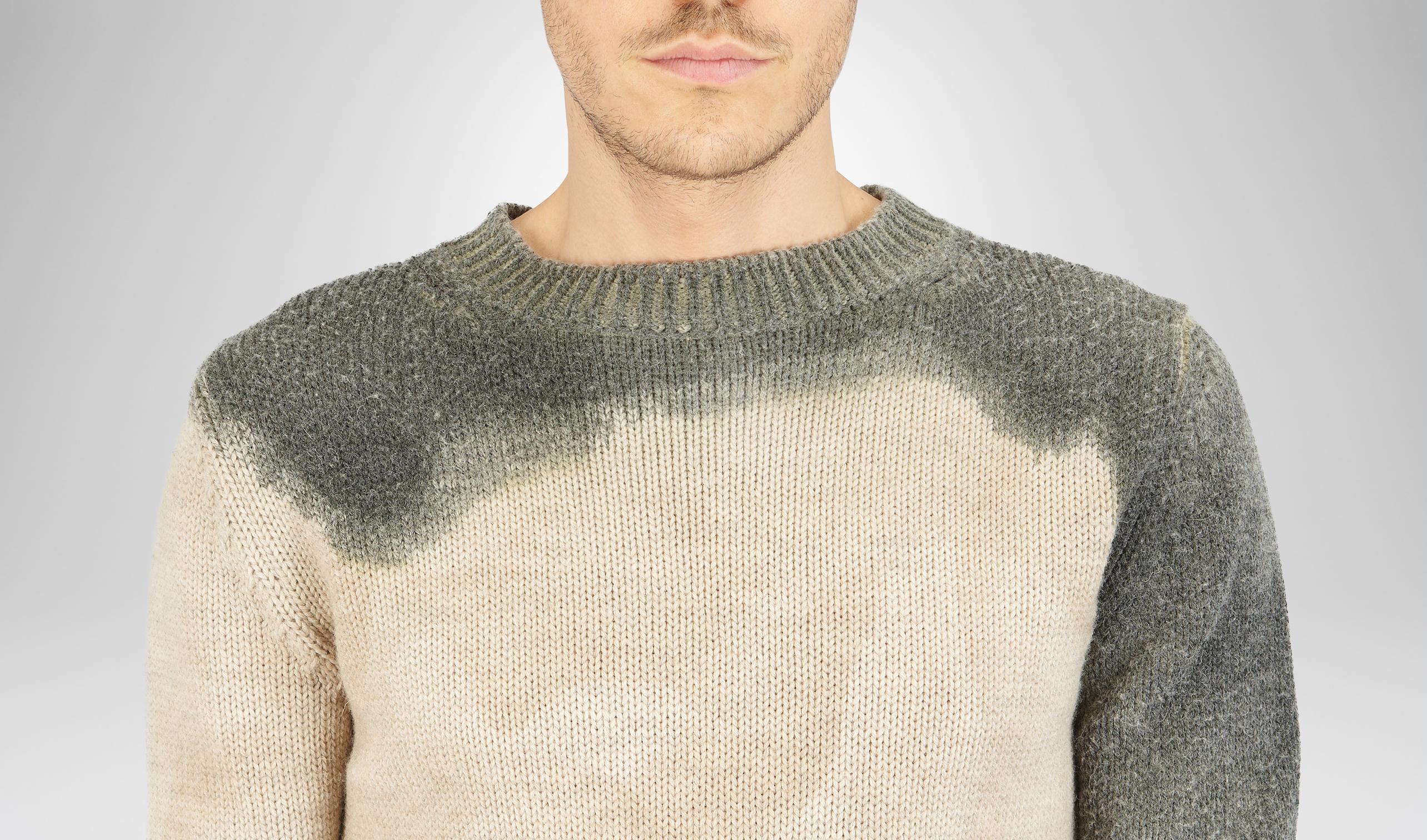 大领口毛衣搭配图片
