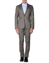 MARIO MATTEO - Suits