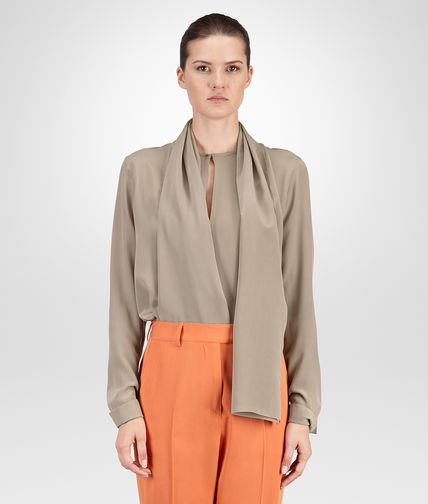TOP IN TOFFEE CREPE DE CHINE