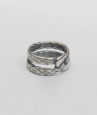 Ring aus oxidiertem Silber Intrecciato