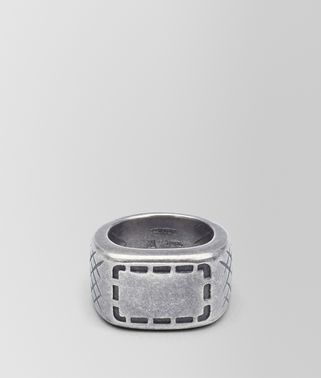 RING IN SILVER WITH SELLERIA MOTIF AND INTRECCIATO DETAILS