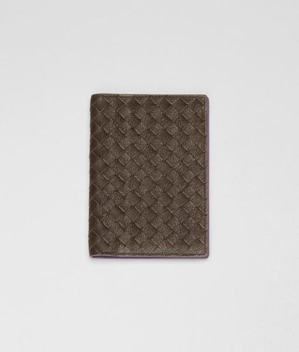 BOTTEGA VENETA - Intrecciato Washed Vintage Nappa Passport Case