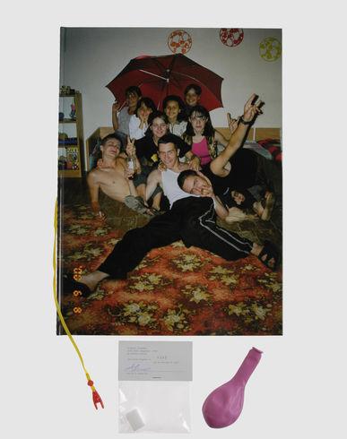 Foto THIS IS A MAGAZINE Fotografia unisex