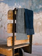 DENIM FLORA SOLID TOWEL 100X150
