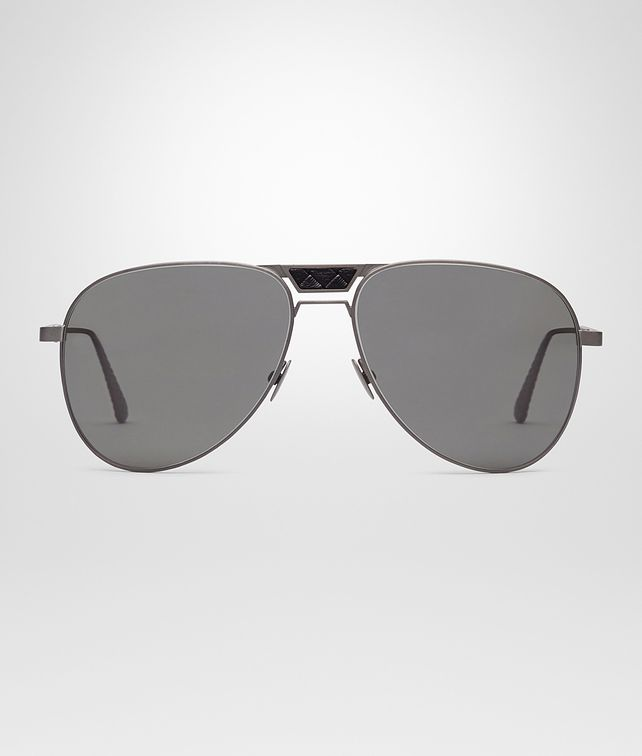 SUNGLASSES IN BLACK TITANIUM WITH GREY LENS