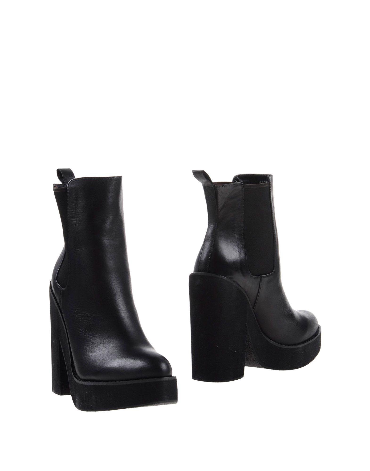 WINDSOR SMITH Полусапоги и высокие ботинки crocs полусапоги и высокие ботинки