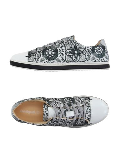 Foto DESIGUAL Sneakers & Tennis shoes basse donna