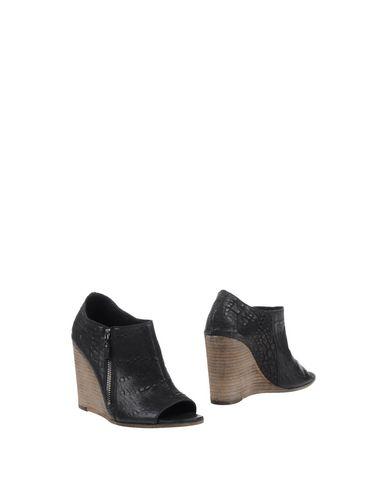 Ботинки от O.X.S.