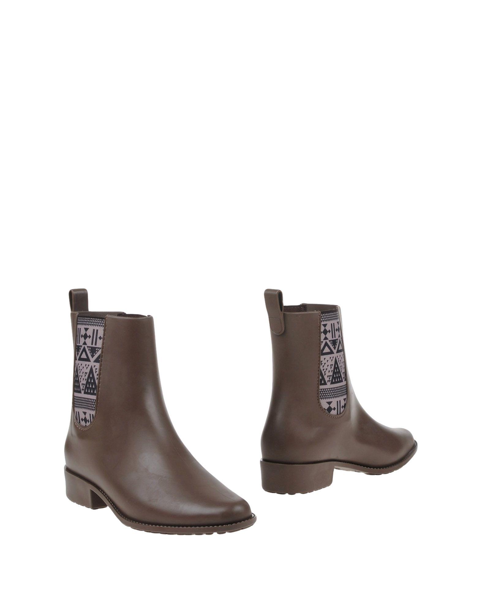 MEL by MELISSA Полусапоги и высокие ботинки