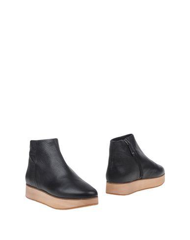 Полусапоги и высокие ботинки от LA CORDE BLANCHE