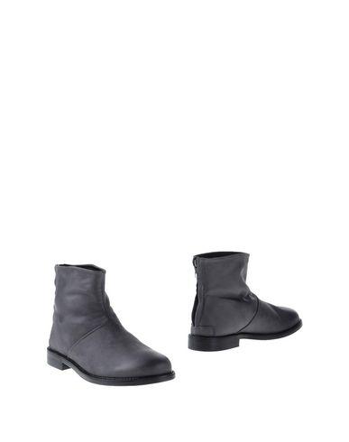 Фото - Полусапоги и высокие ботинки от SHOE BAR свинцово-серого цвета