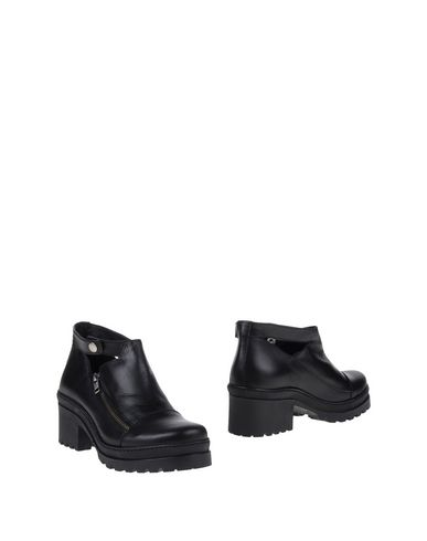 Foto STIÙ Ankle boot donna Ankle boots