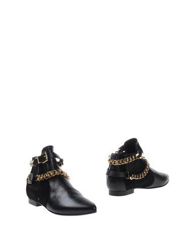 Фото - Женские ботинки и полуботинки CHIARA FERRAGNI черного цвета