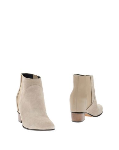 Полусапоги и высокие ботинки от AUGUSTA