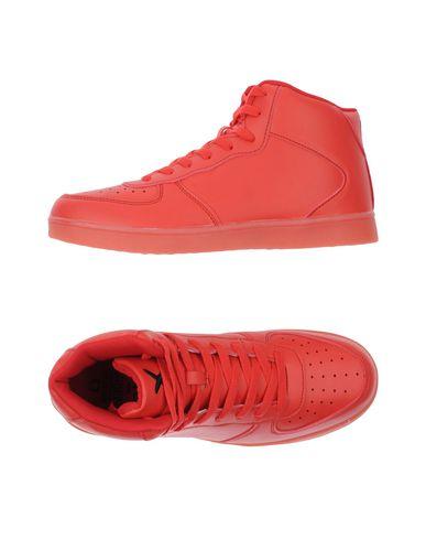 Фото - Высокие кеды и кроссовки красного цвета