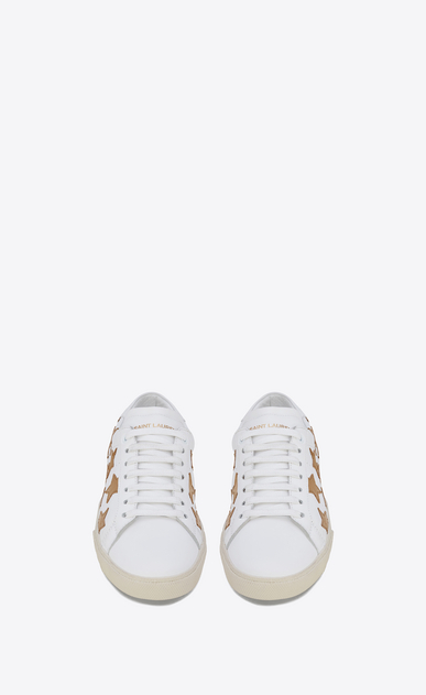 SAINT LAURENT Sneakers D Klassischer Signature Court SL/06 California Sneaker aus gebrochen weißem Leder und dunkel goldfarbenem Metallic-Leder b_V4