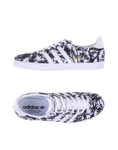 Imagen principal de producto de ADIDAS ORIGINALS - CALZADO - Sneakers & Deportivas - Adidas