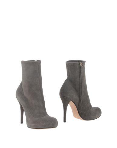 Полусапоги и высокие ботинки от ALESSANDRO B