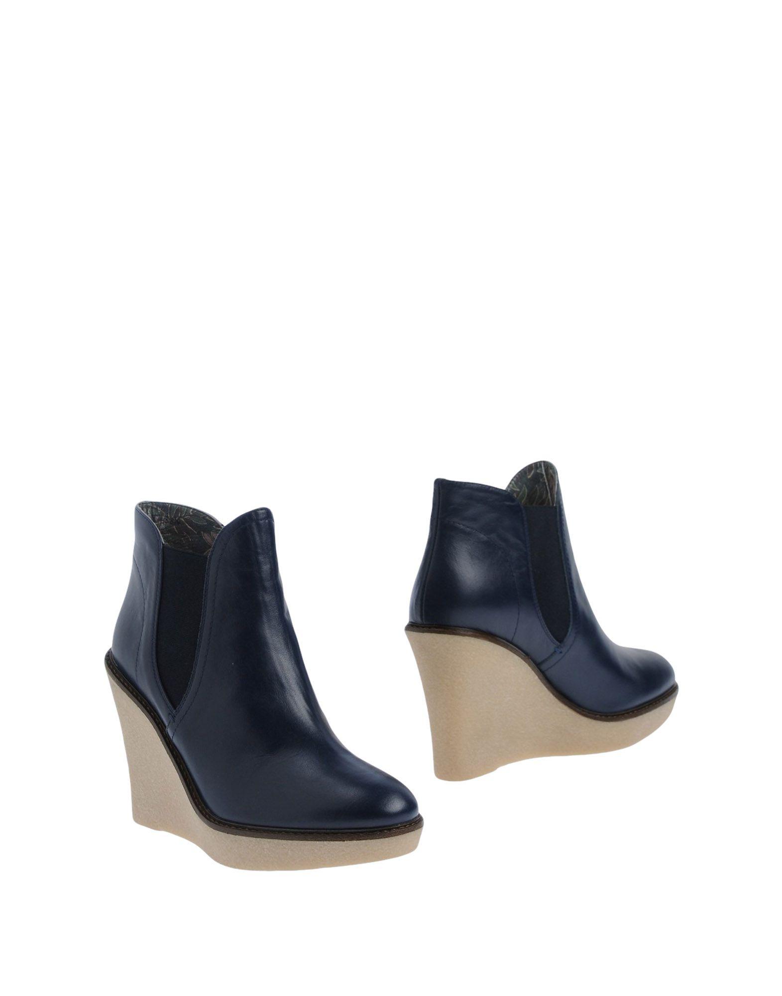 GIANNA MELIANI Ankle Boot in Dark Blue
