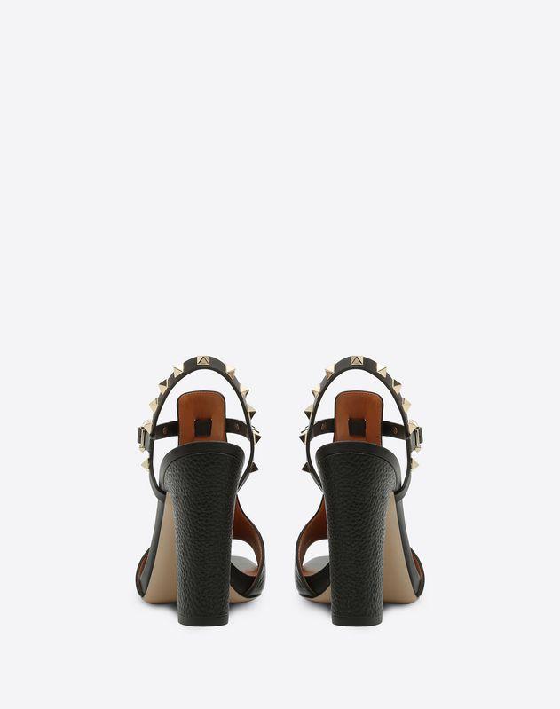 Sandalo Rockstud in vitello granato con plateau 100mm