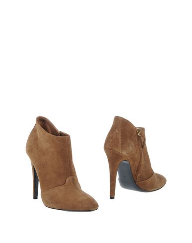 Полусапоги и высокие ботинки от GIORGIO ALTAMODA