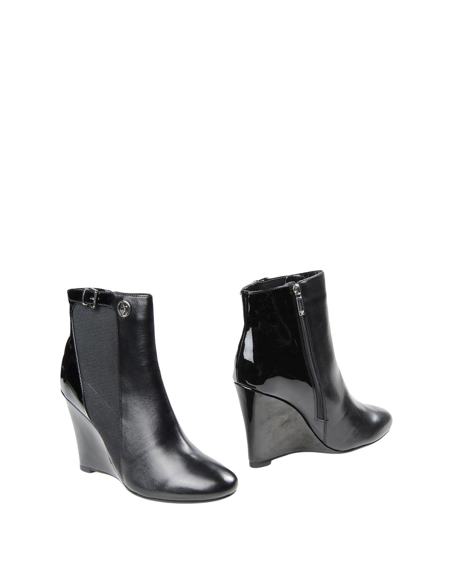 купить ARMANI JEANS Полусапоги и высокие ботинки по цене 17400 рублей